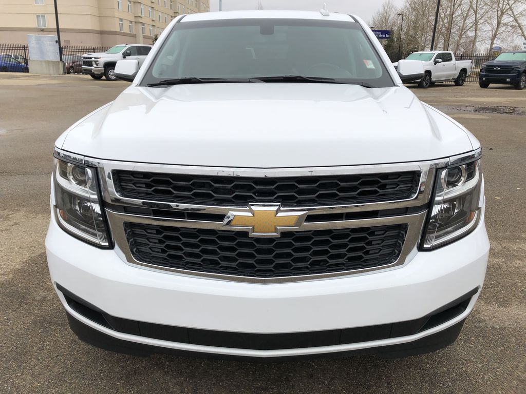 White[Summit White] 2019 Chevrolet Suburban Front Vehicle Photo in Edmonton AB