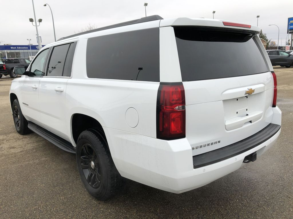White[Summit White] 2019 Chevrolet Suburban Left Rear Corner Photo in Edmonton AB
