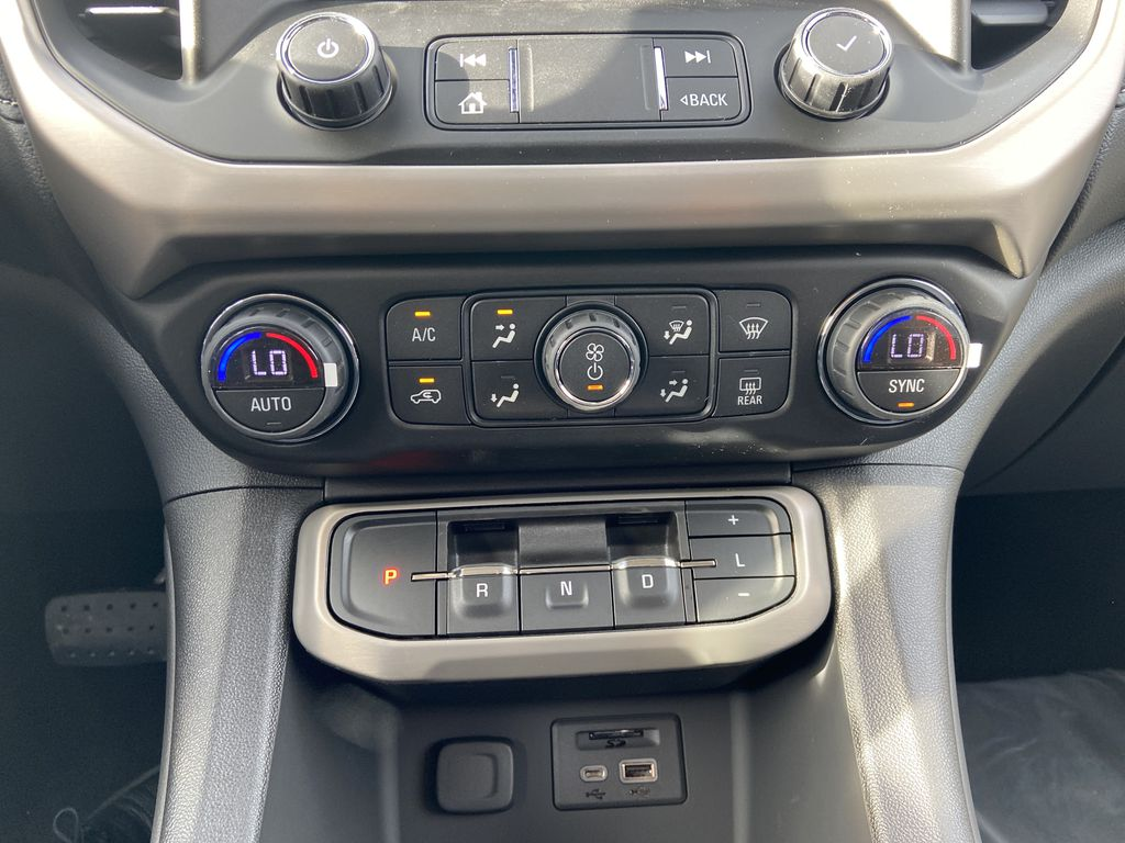White[White Frost Tricoat] 2021 GMC Acadia Denali Central Dash Options Photo in Calgary AB