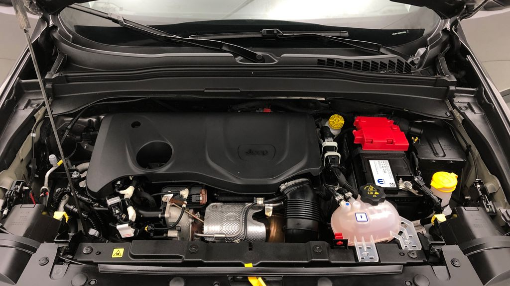 Gray[Granite Crystal Metallic] 2019 Jeep Renegade Trailhawk 4WD - My Sky Open Air Roof System Engine Compartment Photo in Winnipeg MB