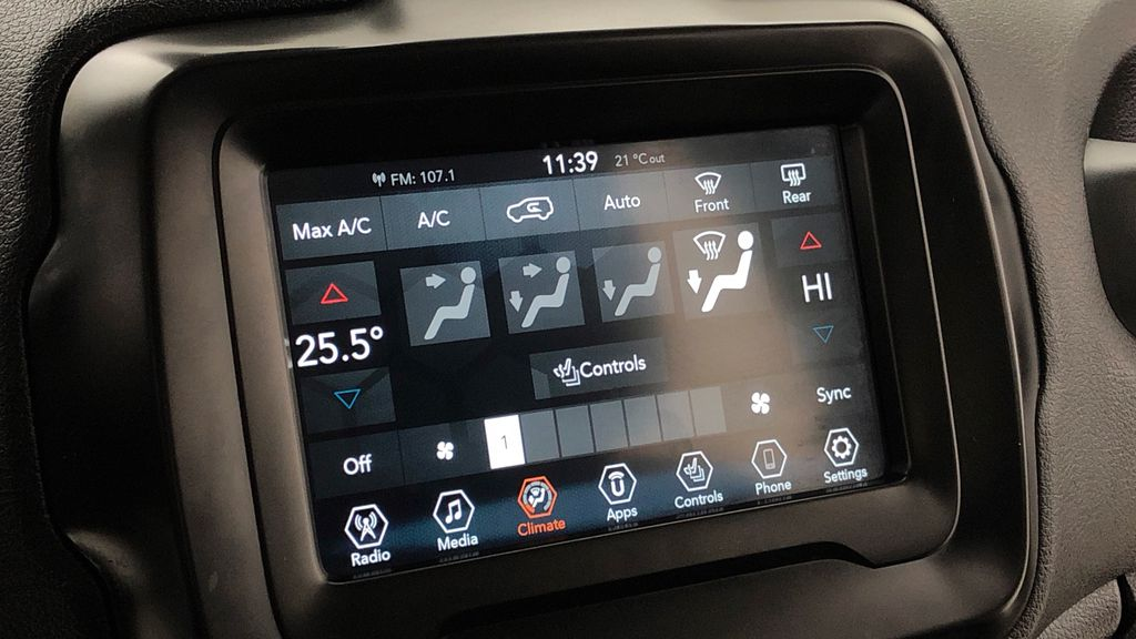 Gray[Granite Crystal Metallic] 2019 Jeep Renegade Trailhawk 4WD - My Sky Open Air Roof System Additional Photo 2 in Winnipeg MB