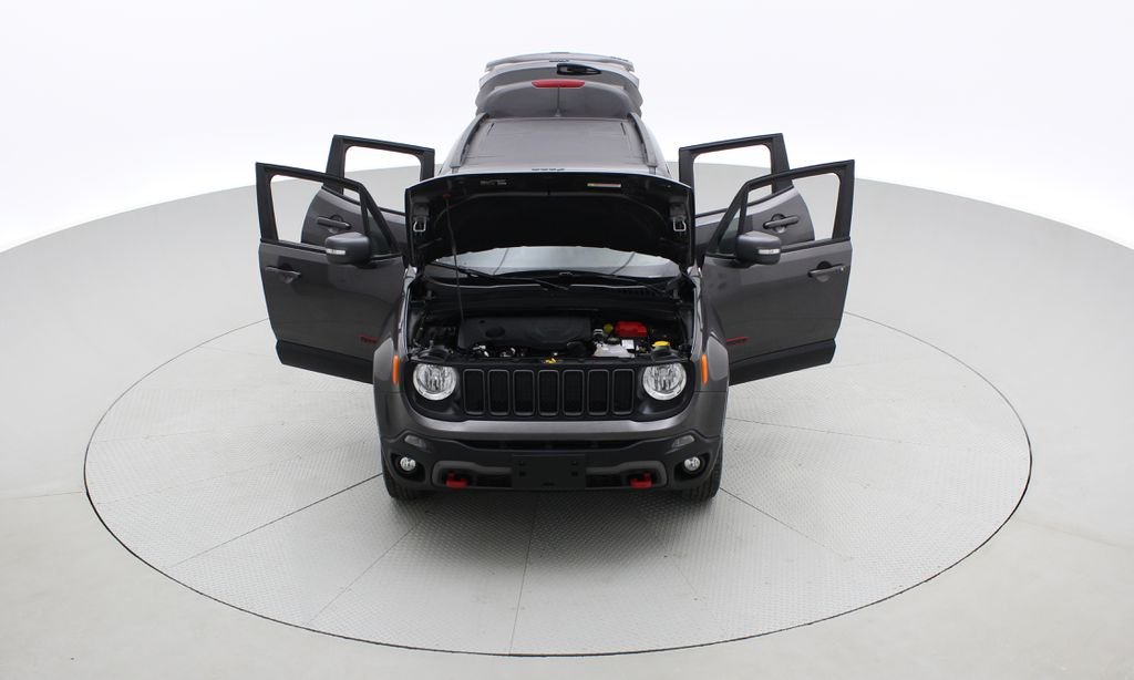 Gray[Granite Crystal Metallic] 2019 Jeep Renegade Trailhawk 4WD - My Sky Open Air Roof System Front Vehicle Photo in Winnipeg MB