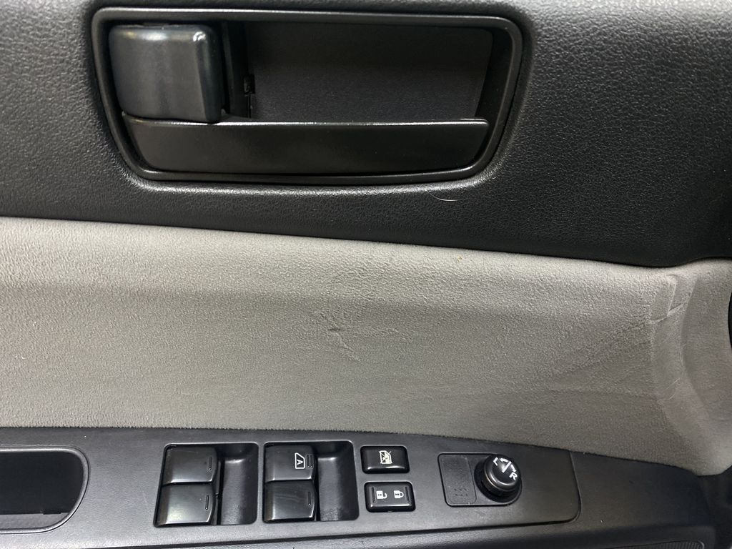M.GREY 2012 Nissan Sentra 2.0 - Air Conditioning, AM/FM Stereo, CD/AUX Audio  Driver's Side Door Controls Photo in Edmonton AB