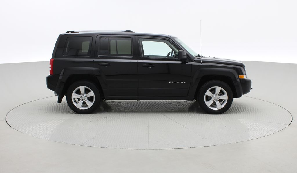 Black[Black] 2015 Jeep Patriot Limited 4WD - Leather, Sunroof, Navigation, Bluetooth Right Side Photo in Winnipeg MB