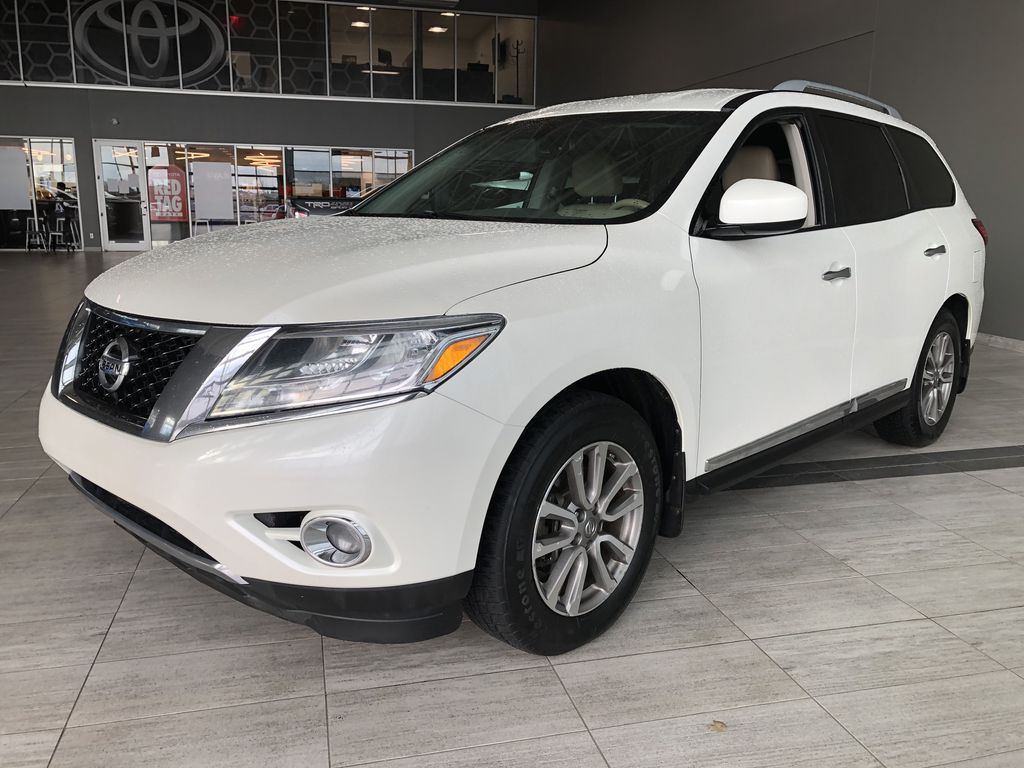 White 2015 Nissan Pathfinder SL 7-Passenger 4WD Left Side Rear Seat  Photo in Edmonton AB
