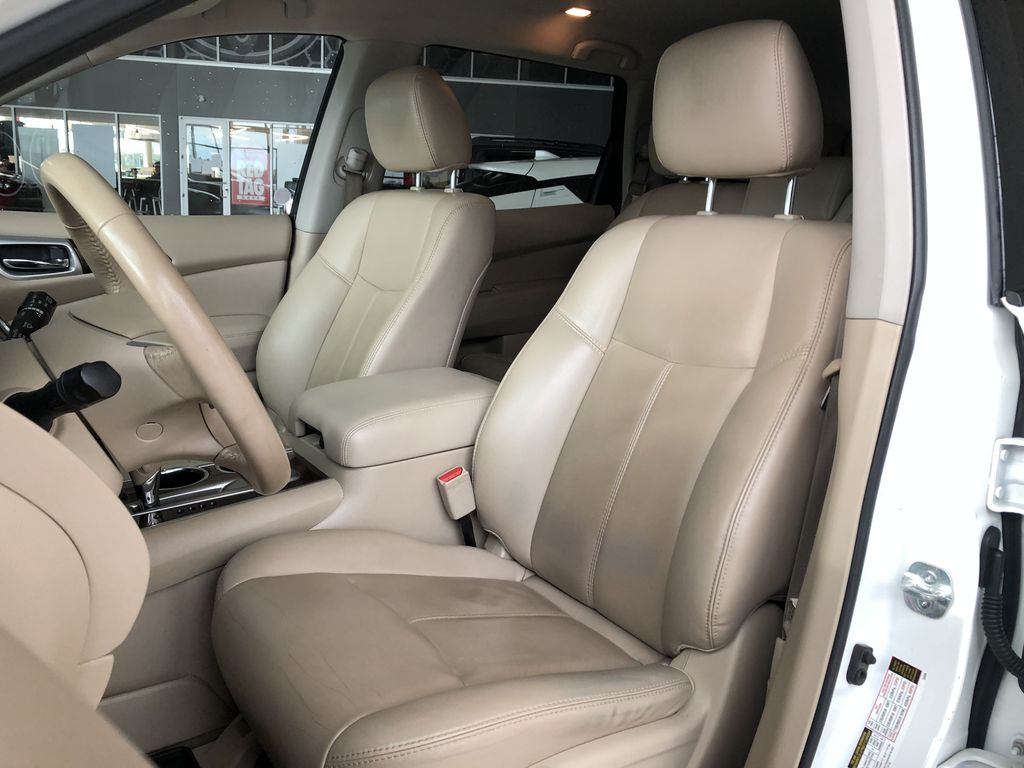 White 2015 Nissan Pathfinder SL 7-Passenger 4WD Right Rear Side Body Line Photo in Edmonton AB