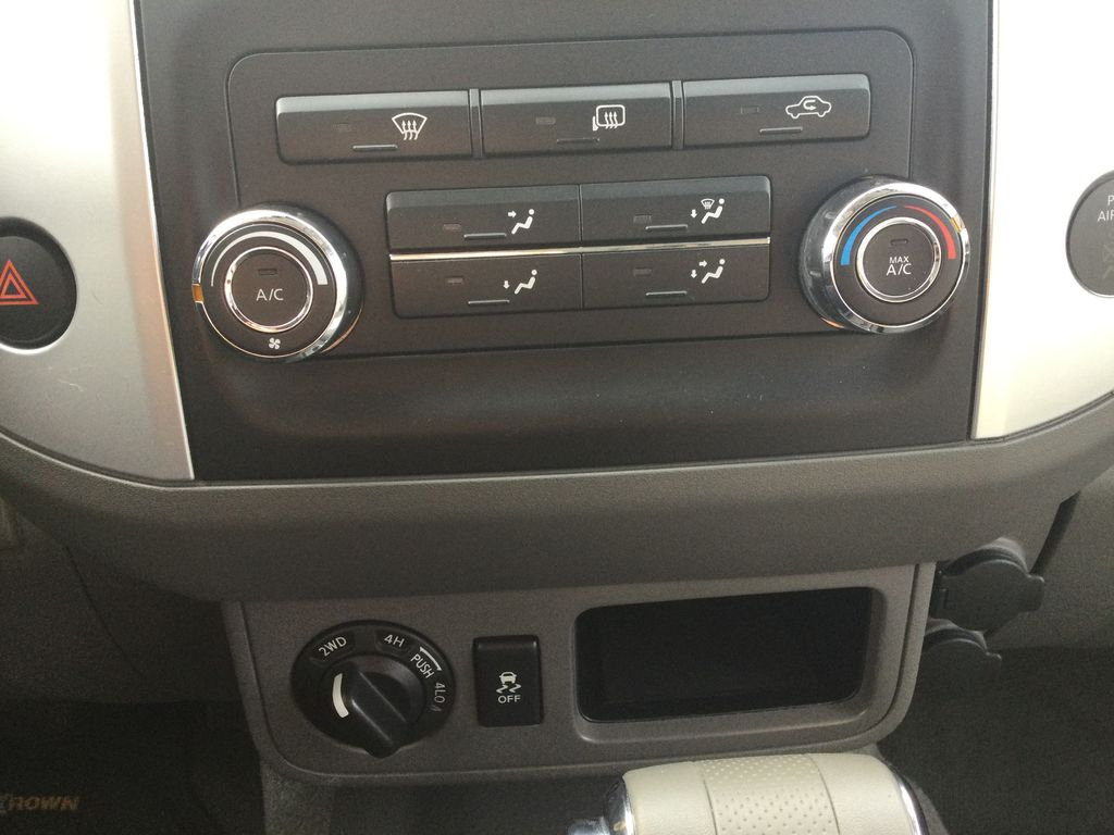 2016 NISSAN FRONTIER S Central Dash Options Photo in Brockville ON