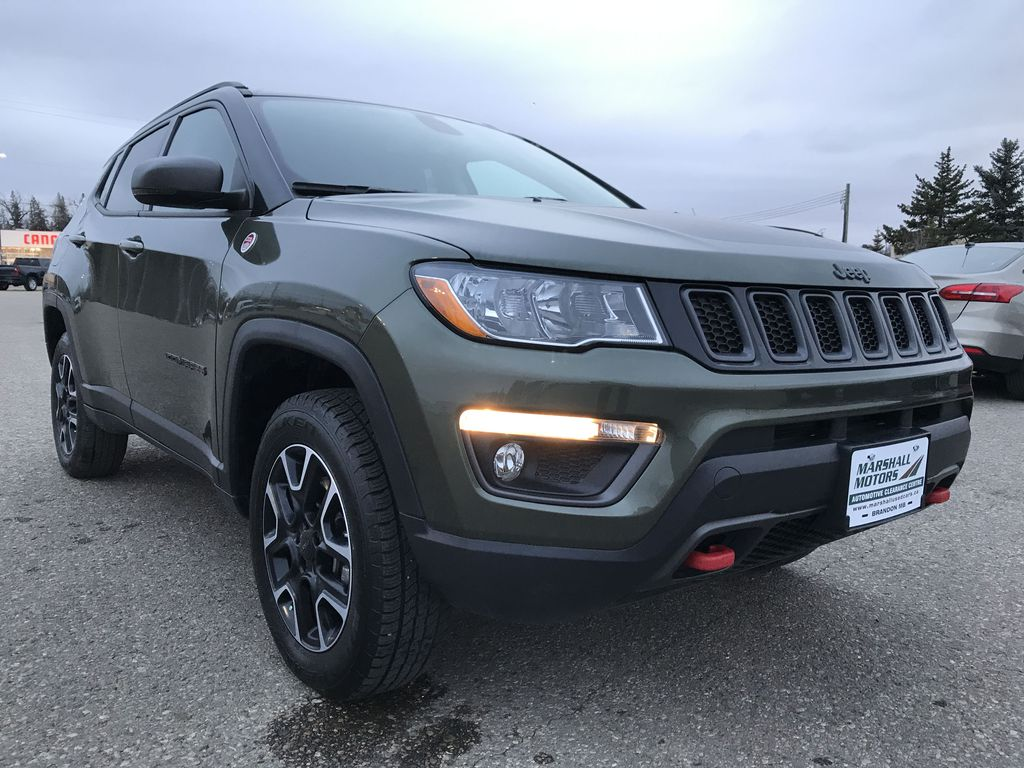 Green 2019 Jeep Compass Trailhawk 4x4 *Back-Up Cam** Heated Seats**Bluetooth** Right Front Corner Photo in Brandon MB