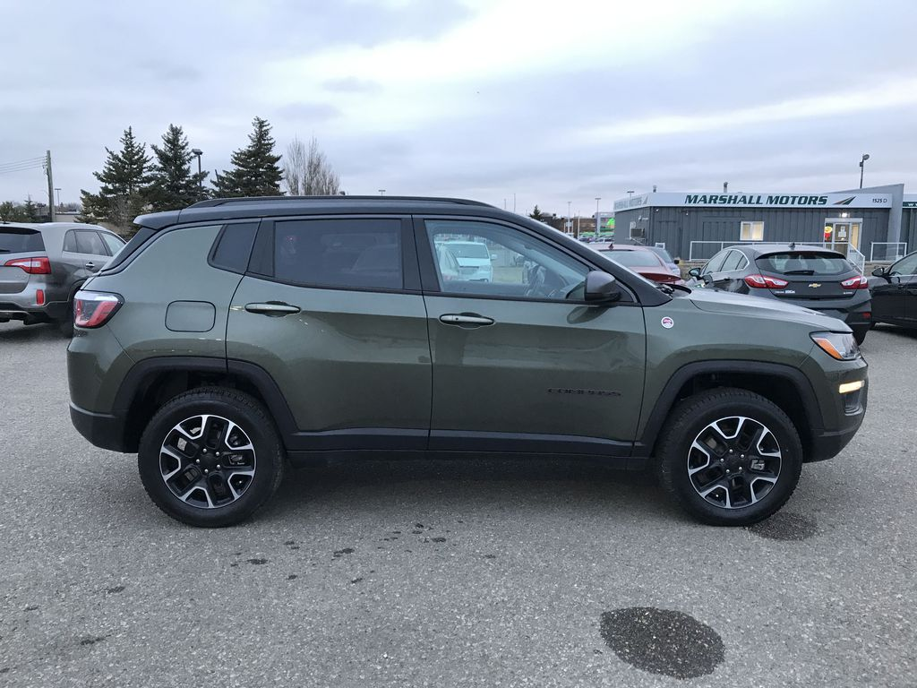 Green 2019 Jeep Compass Trailhawk 4x4 *Back-Up Cam** Heated Seats**Bluetooth** Right Side Photo in Brandon MB
