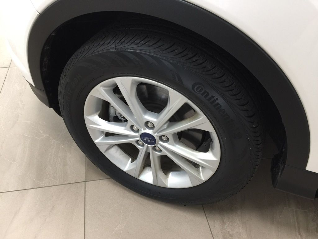 White[Oxford White] 2018 Ford Escape SEL AWD Left Front Rim and Tire Photo in Sherwood Park AB
