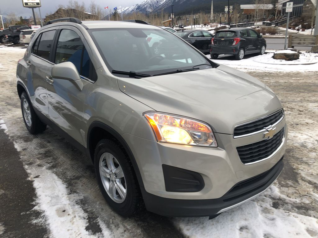 Gold[Champagne Silver Metallic] 2013 Chevrolet Trax LT