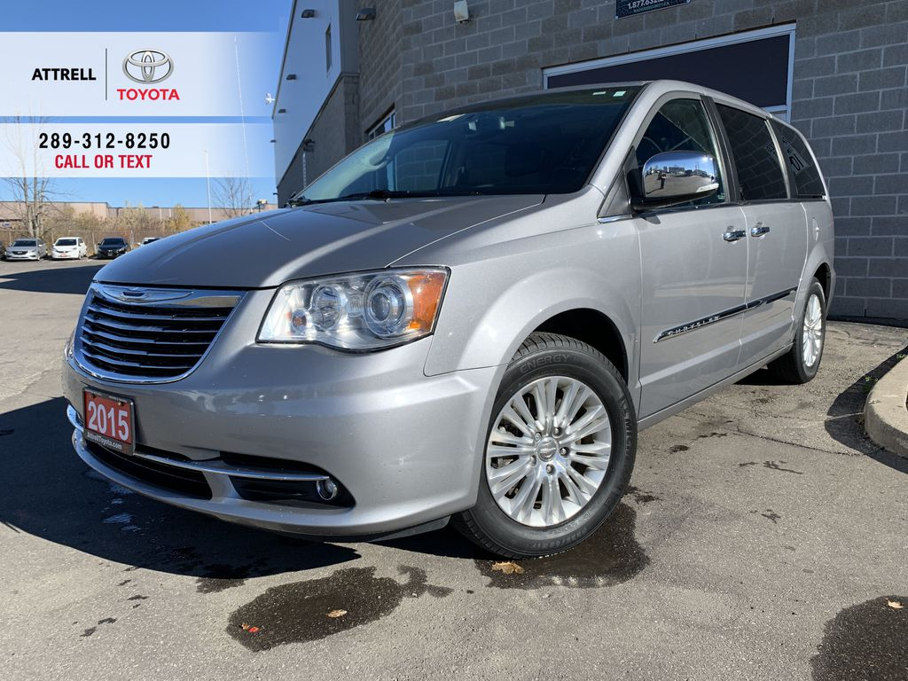 Silver[Billet Metallic] 2015 Chrysler Town & Country