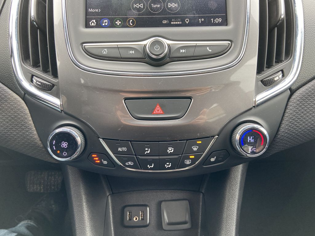Black[Black] 2019 Chevrolet Cruze LT True North Central Dash Options Photo in Calgary AB