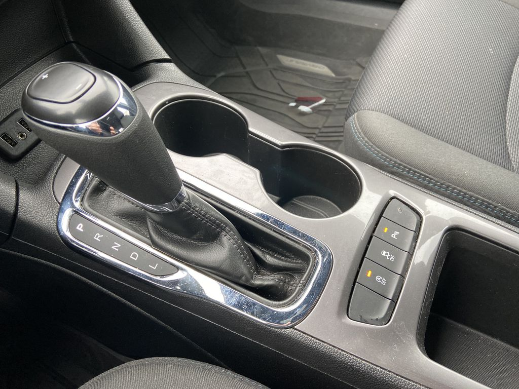 Black[Black] 2019 Chevrolet Cruze Center Console Photo in Calgary AB