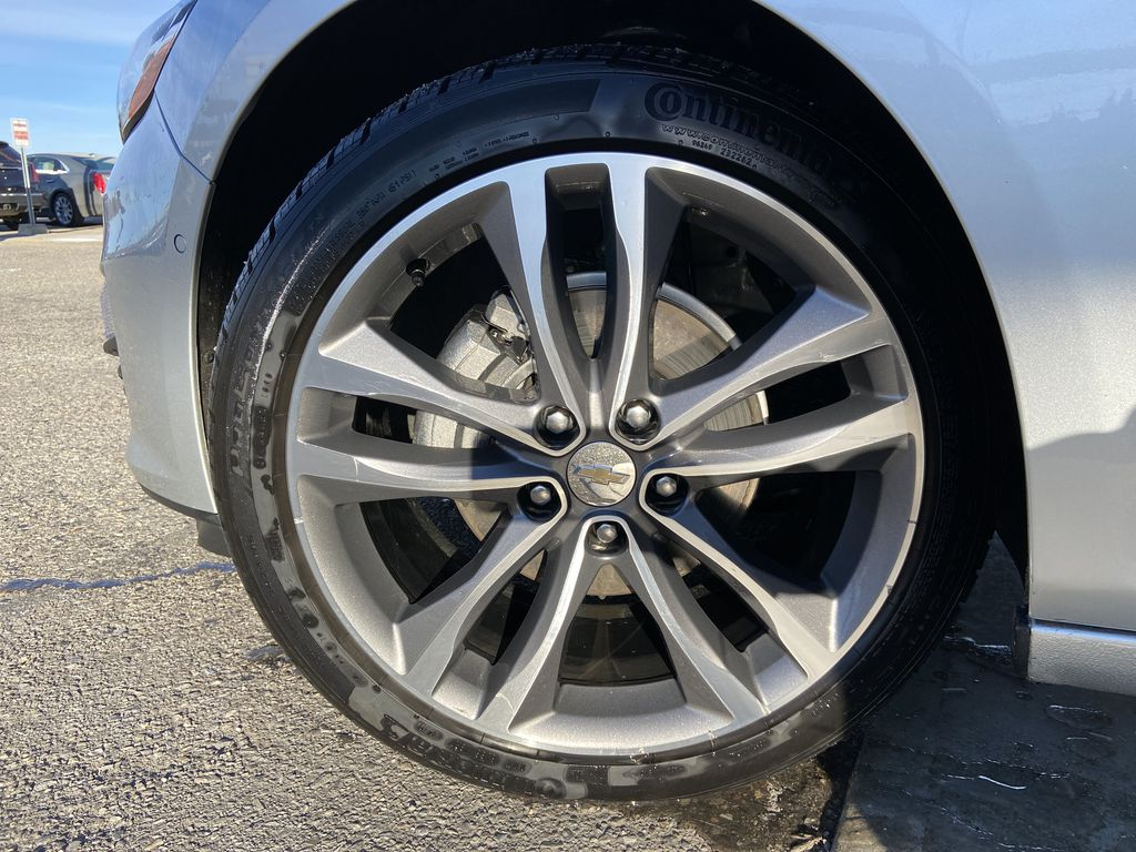 Silver[Silver Ice Metallic] 2020 Chevrolet Malibu Premier Left Front Rim and Tire Photo in Calgary AB