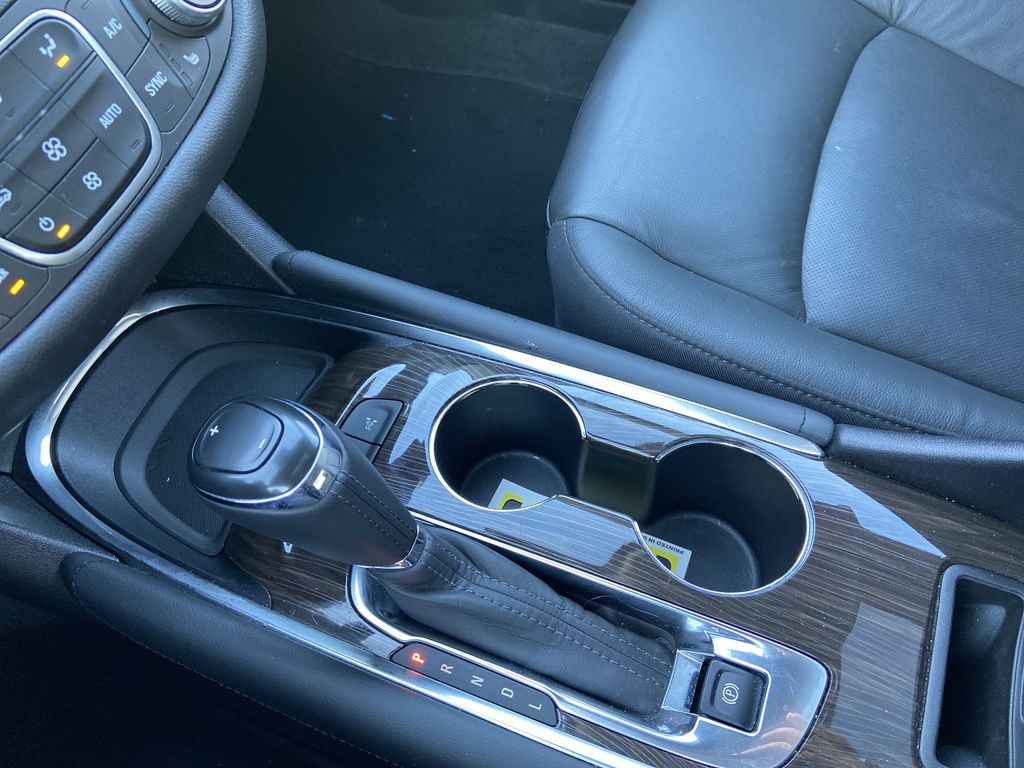 Silver[Silver Ice Metallic] 2020 Chevrolet Malibu Premier Center Console Photo in Calgary AB