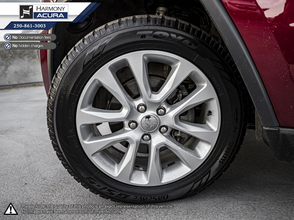 Red - Velvet Red Pearl 2017 Jeep Grand Cherokee Trunk / Cargo Area Photo in Kelowna BC