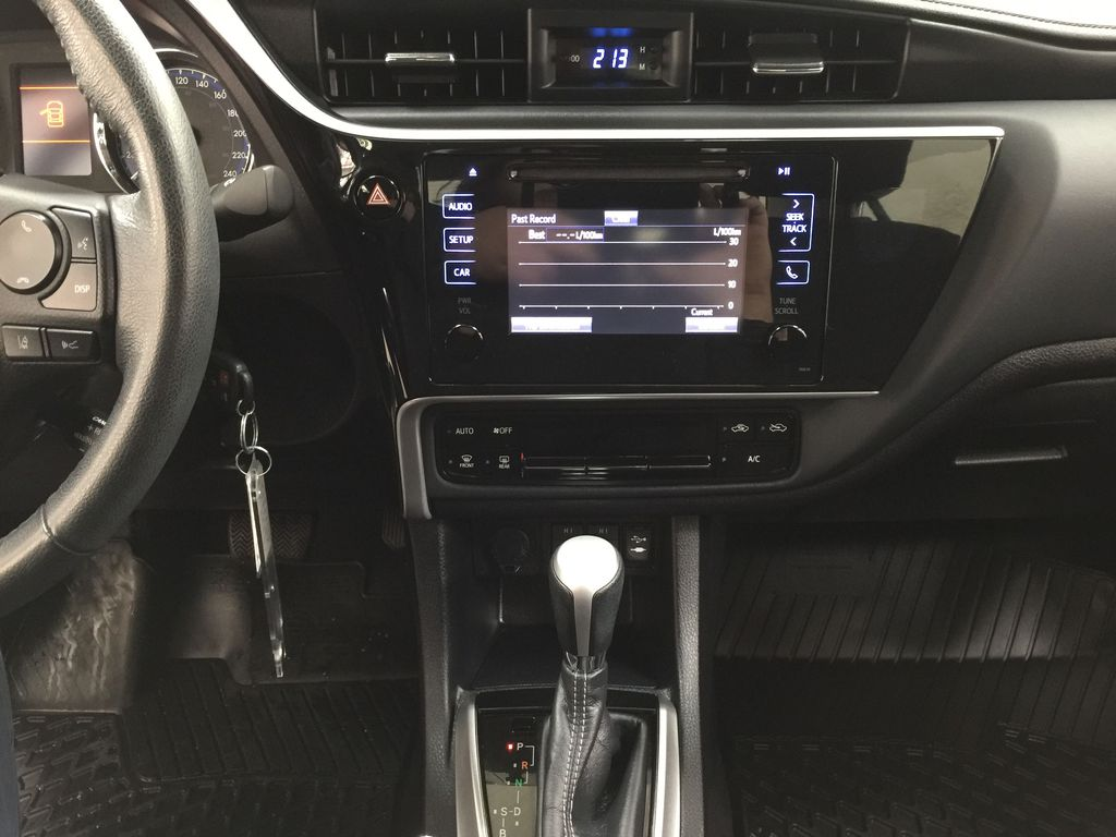 BROWN 2018 Toyota Corolla LE Upgrade Central Dash Options Photo in Sherwood Park AB