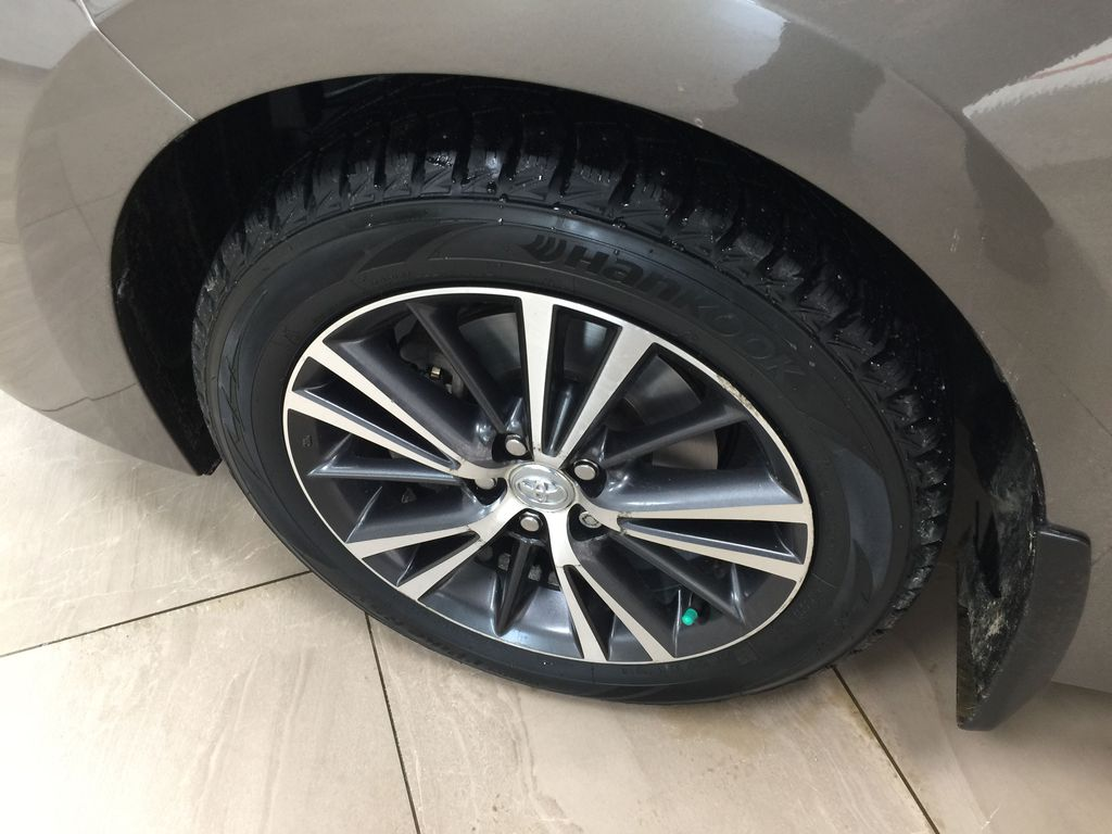 BROWN 2018 Toyota Corolla LE Upgrade Left Front Rim and Tire Photo in Sherwood Park AB