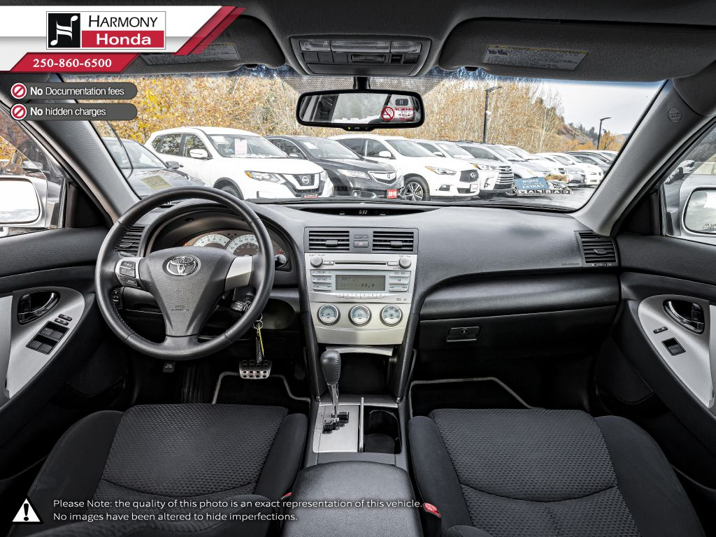 Silver 2009 Toyota Camry Audio/Video Photo in Kelowna BC
