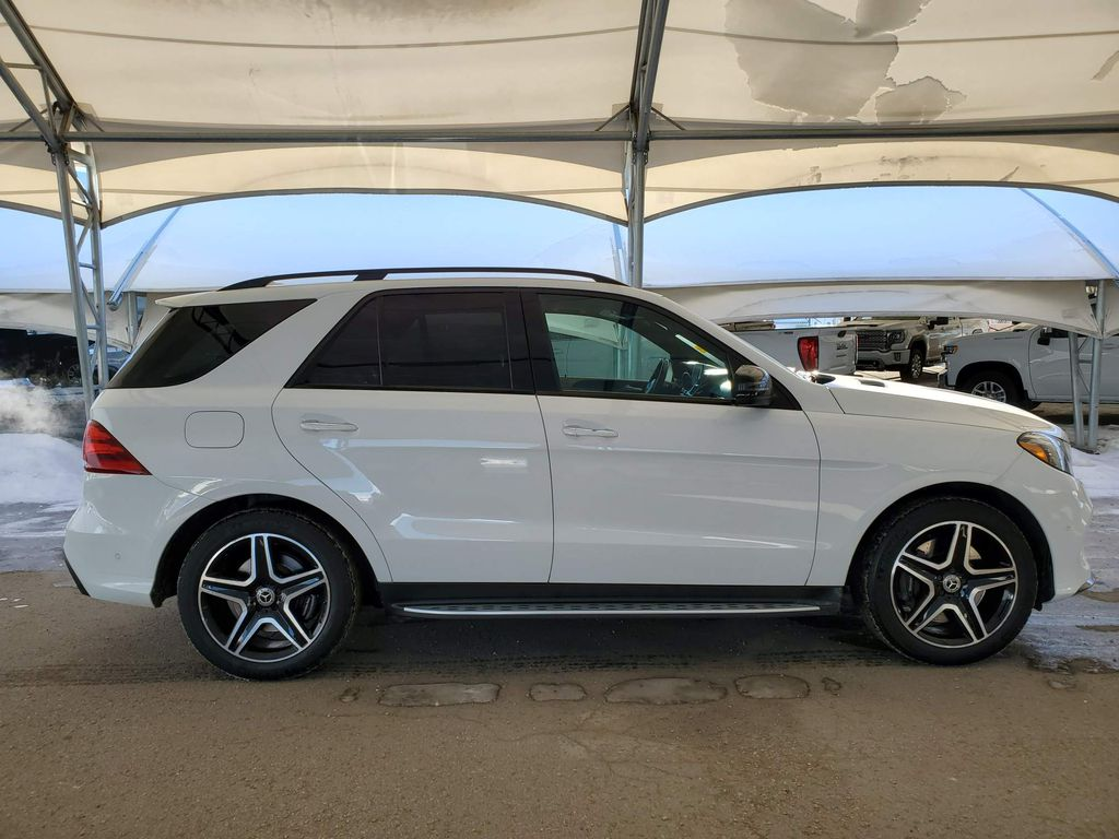 White 2018 Mercedes-Benz GLE Passenger Front Door Controls Photo in Airdrie AB
