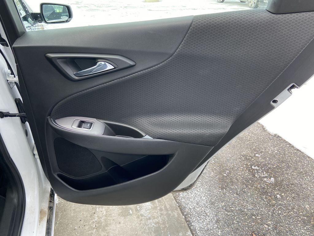 White[Iridescent Pearl Tricoat] 2019 Chevrolet Malibu LT Right Rear Interior Door Panel Photo in Calgary AB