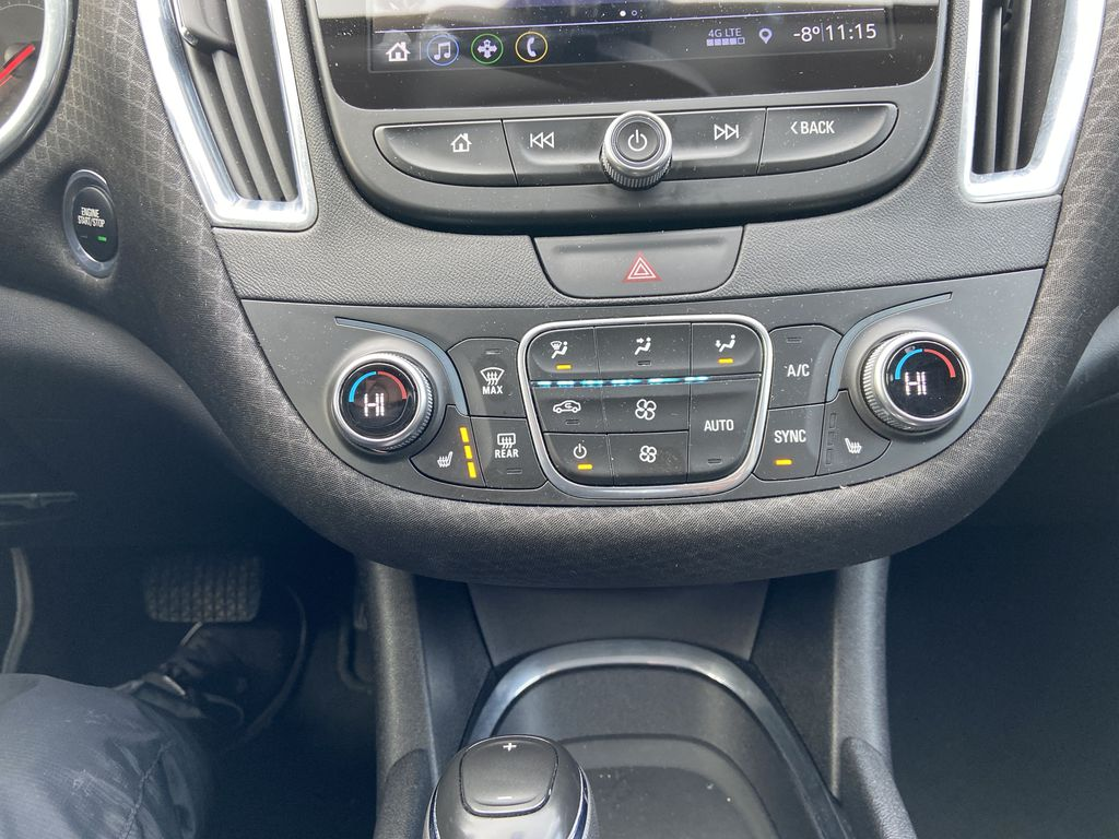 White[Iridescent Pearl Tricoat] 2019 Chevrolet Malibu LT Central Dash Options Photo in Calgary AB