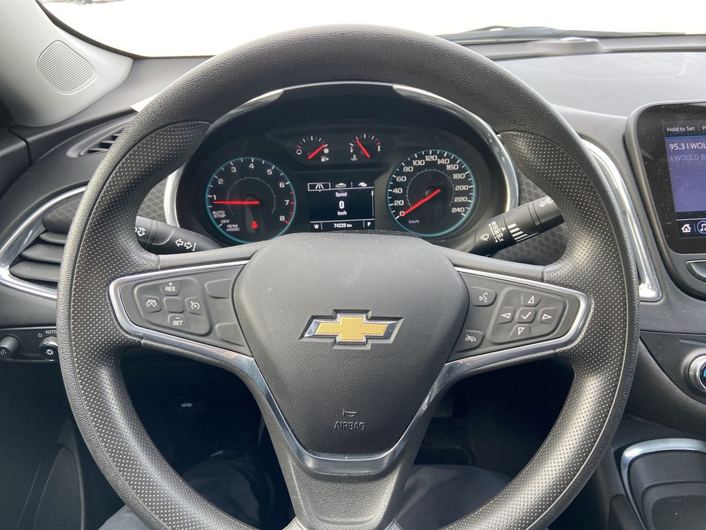 White[Iridescent Pearl Tricoat] 2019 Chevrolet Malibu LT Steering Wheel and Dash Photo in Calgary AB