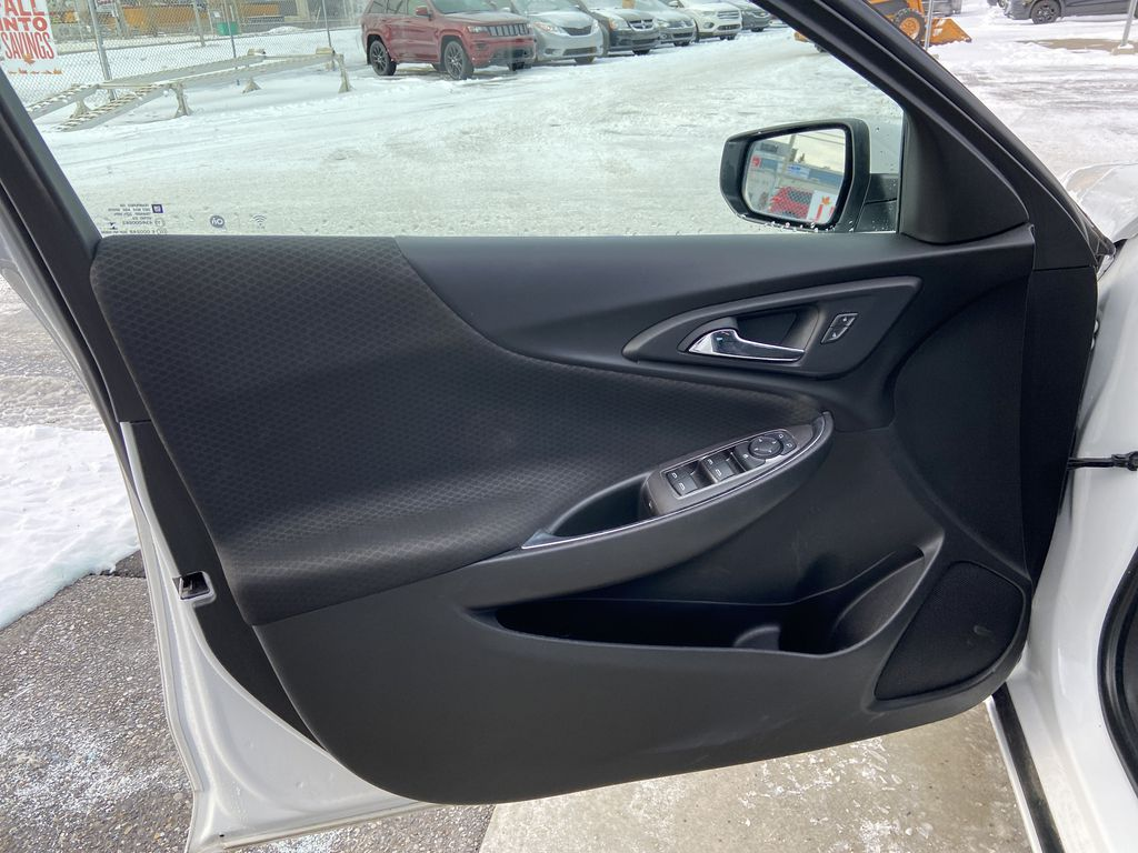 White[Iridescent Pearl Tricoat] 2019 Chevrolet Malibu LT Left Front Interior Door Panel Photo in Calgary AB
