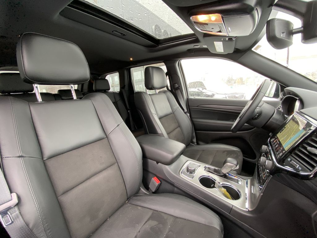 Red[Velvet Red Pearl] 2020 Jeep Grand Cherokee Altitude Right Side Front Seat  Photo in Calgary AB