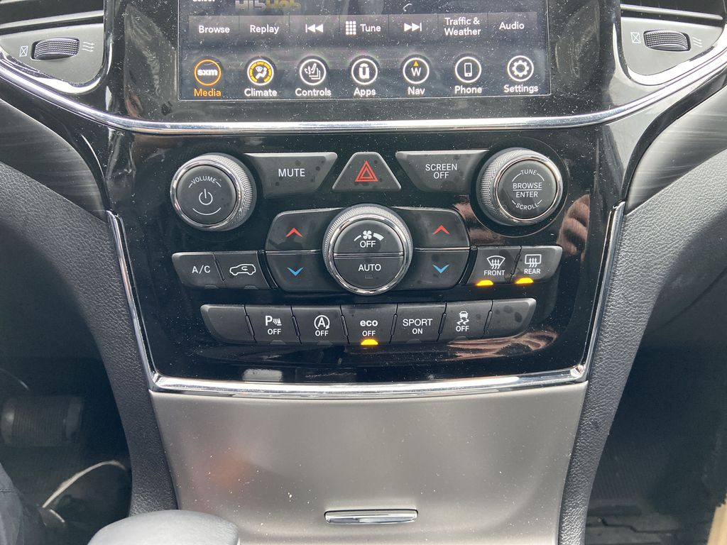 Red[Velvet Red Pearl] 2020 Jeep Grand Cherokee Altitude Central Dash Options Photo in Calgary AB