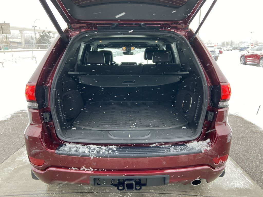 Red[Velvet Red Pearl] 2020 Jeep Grand Cherokee Altitude Trunk / Cargo Area Photo in Calgary AB