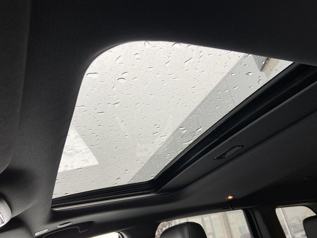 Red[Velvet Red Pearl] 2020 Jeep Grand Cherokee Altitude Sunroof Photo in Calgary AB