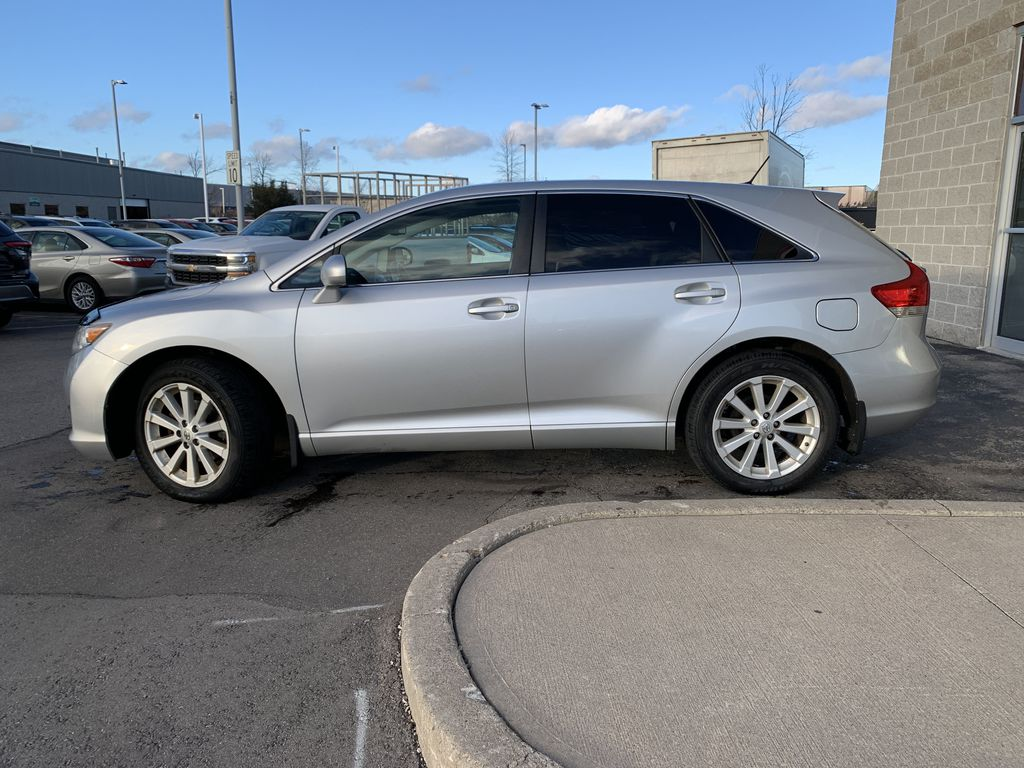Silver 2010 Toyota Venza Left Front Rim and Tire Photo in Brampton ON