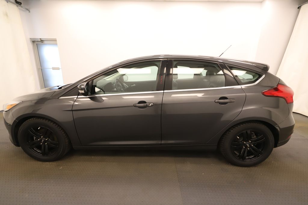 Grey 2018 Ford Focus Front Vehicle Photo in Lethbridge AB