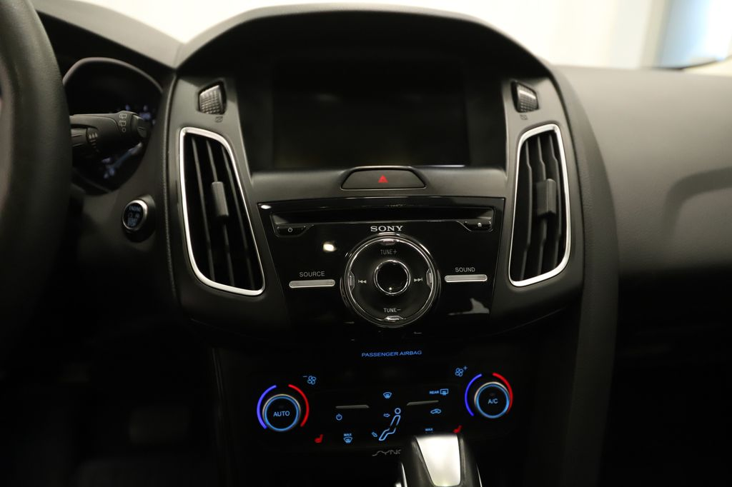Grey 2018 Ford Focus Steering Wheel and Dash Photo in Lethbridge AB