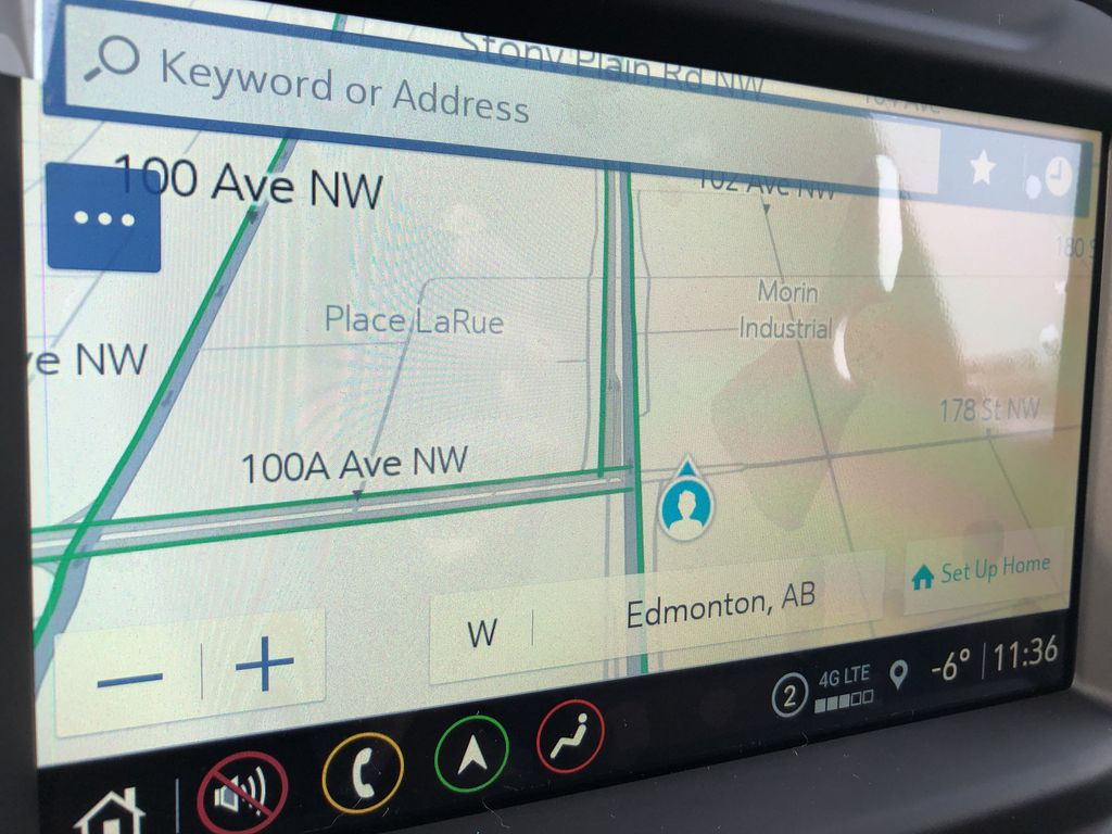 Black[Black] 2021 Chevrolet Silverado 3500HD Navigation Screen Closeup Photo in Edmonton AB