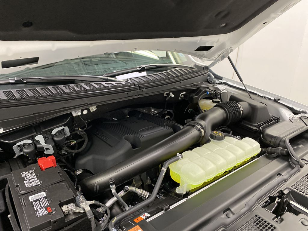 White[Star White Platinum Metallic Tri-Coat] 2020 Ford Expedition Engine Compartment Photo in Dartmouth NS