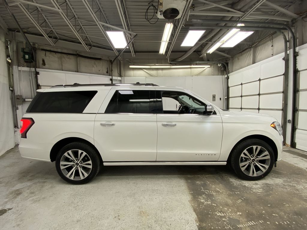 White[Star White Platinum Metallic Tri-Coat] 2020 Ford Expedition Right Side Photo in Dartmouth NS