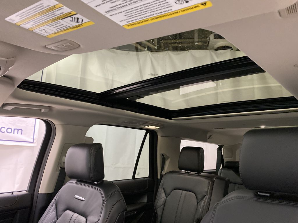 White[Star White Platinum Metallic Tri-Coat] 2020 Ford Expedition Sunroof Photo in Dartmouth NS