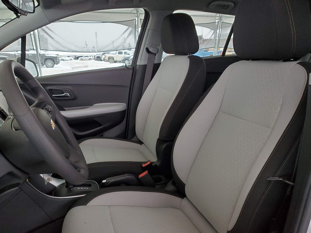 White 2021 Chevrolet Trax Left Front Interior Door Panel Photo in Airdrie AB