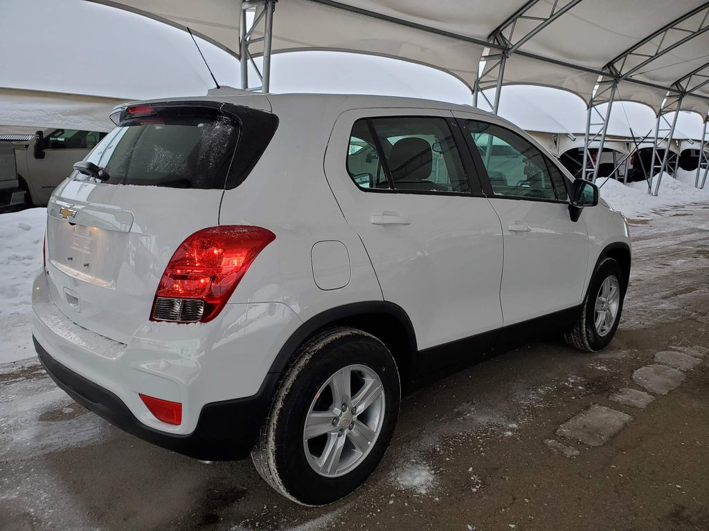 White 2021 Chevrolet Trax Strng Wheel/Dash Photo: Frm Rear in Airdrie AB