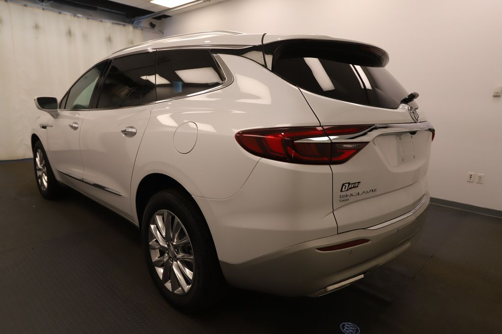 White 2020 Buick Enclave Strng Wheel: Frm Rear in Lethbridge AB
