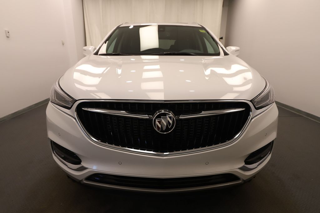 White 2020 Buick Enclave Right Rear Corner Photo in Lethbridge AB
