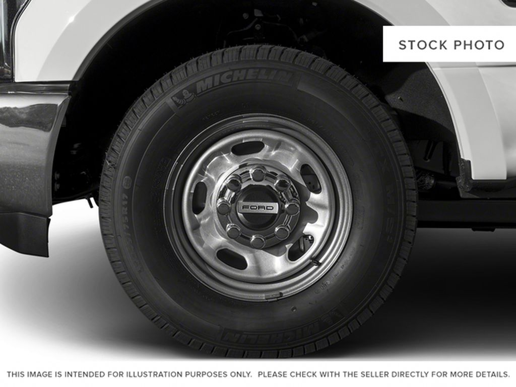 White[Oxford White] 2017 Ford Super Duty F-350 SRW Left Front Rim and Tire Photo in Fort Macleod AB