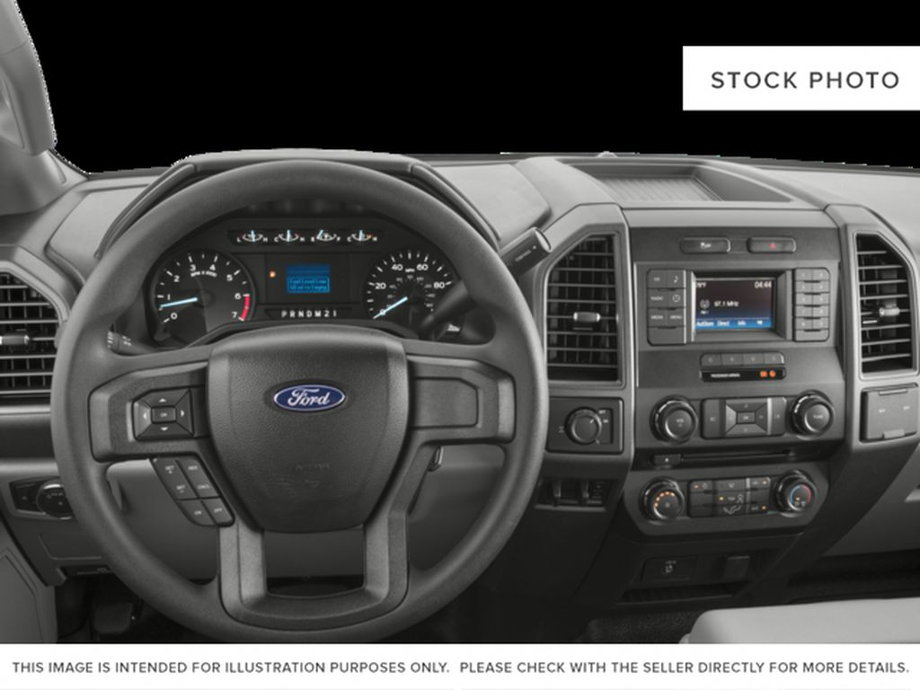 White[Oxford White] 2017 Ford Super Duty F-350 SRW Steering Wheel and Dash Photo in Fort Macleod AB