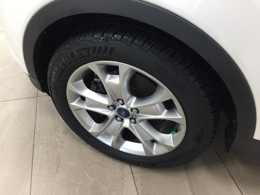 White[White Platinum Tricoat] 2013 Ford Escape SEL AWD Left Front Rim and Tire Photo in Sherwood Park AB