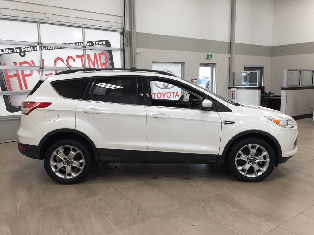 White[White Platinum Tricoat] 2013 Ford Escape SEL AWD Right Side Photo in Sherwood Park AB