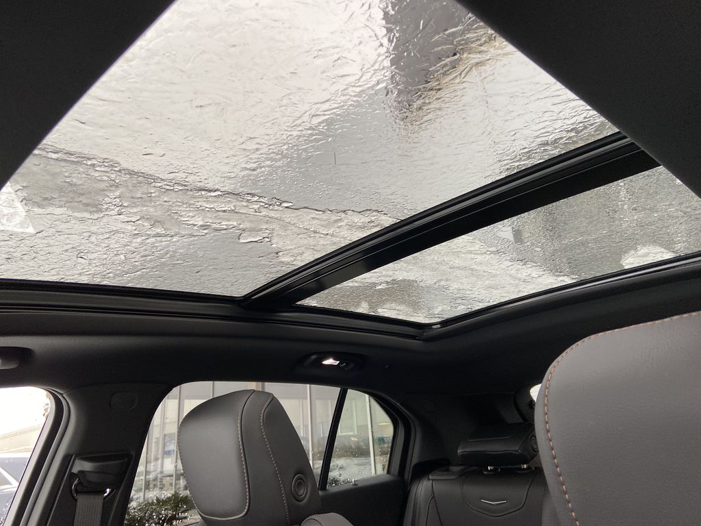 White[Crystal White Tricoat] 2021 Cadillac XT4 Sport Sunroof Photo in Calgary AB