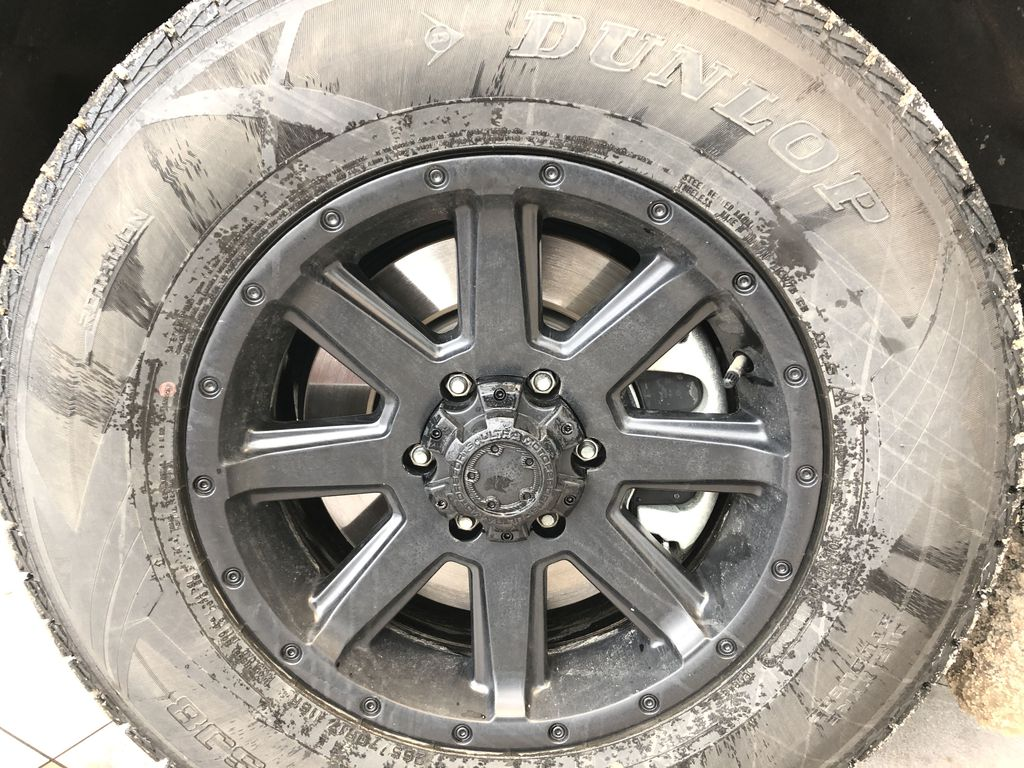 2019 Ford Expedition Left Front Rim and Tire Photo in Edmonton AB